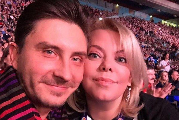 Жених Яны Поплавской хочет удивить свою избранницу в медовый месяц