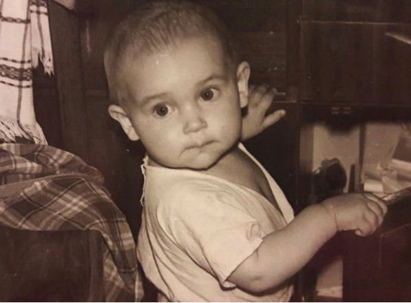 Детский снимок Алсу вызвал бурные обсуждения в Интернете