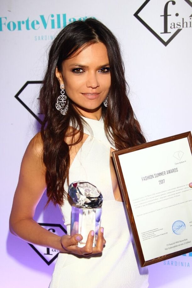 Аделина Шарипова стала актрисой года по версии Summer Style Awards 2017