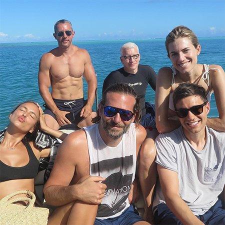 В сети появились фото совместного отдыха Ирины Шейк и Брэдли Купера