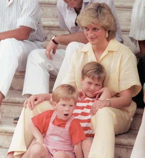 Принц Уильям и Гарри дали откровенное интервью о маме принцессе Диане