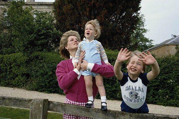 Принц Гарри иУильям назвали принцессу Диану «капризным родителем»