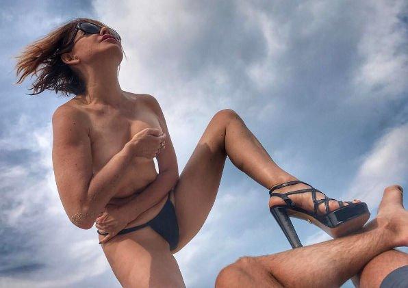 Наталья Штурм ответила на нелестные комментарии обнаженных снимков