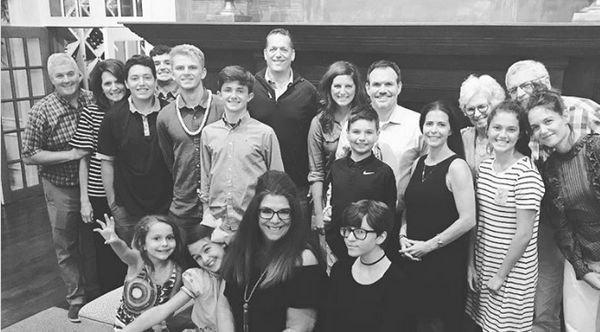 Кэти Холмс разместила редкий семейный снимок