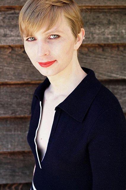 Информатор WikiLeaks Брэдли Мэннинг, ставший женщиной, появился на страницах Vogue