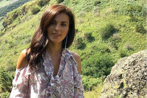 Сати Казанова сыграет свадьбу с иностранцем