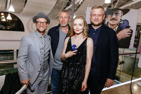 Юлия Пересильд решила прояснить ситуацию со слухами о романе с Романом Абрамовичем