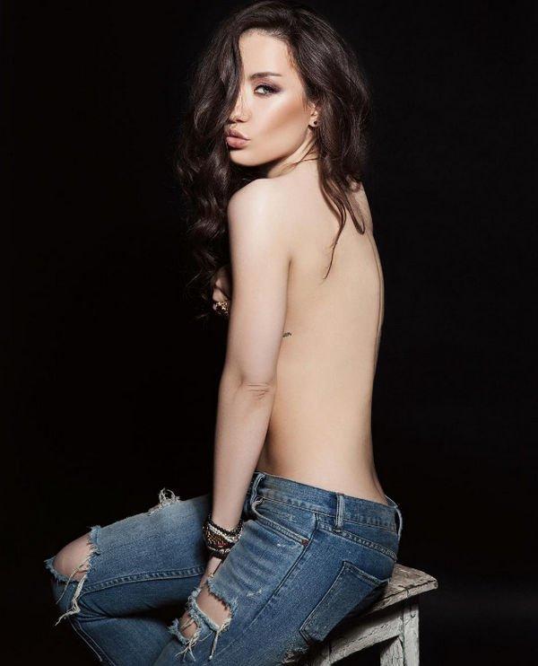 Виктория Дайнеко обнажилась на фотографии