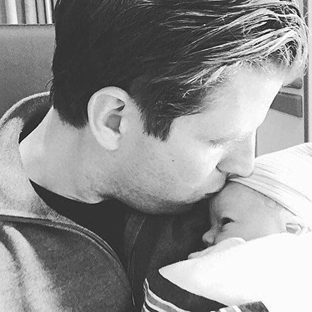 В сеть попало первое фото новорожденного внука Дональда Трампа