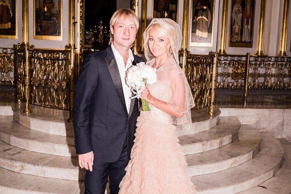 Евгений Плющенко и Яна Рудковская провели тайный обряд венчания