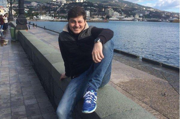 Потерявший любимую Сергей Оборин оказывает помощь онкобольным