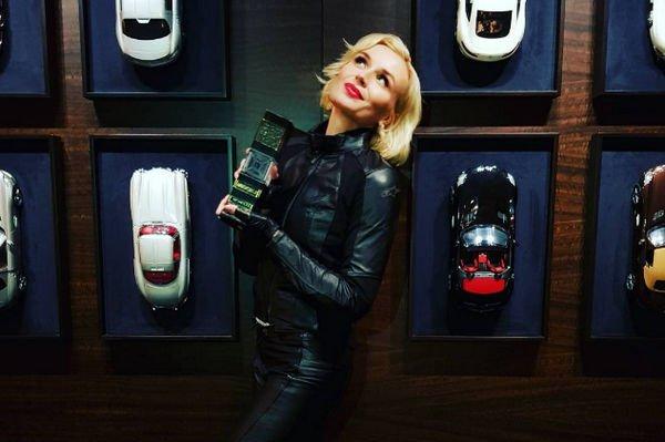Полина Гагарина приняла участие в обнаженной фотосессии ради новой композиции
