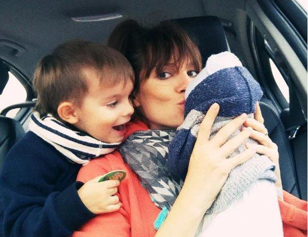 Светлана Светикова призналась, что не может устоять перед манипуляциями новорожденного сына