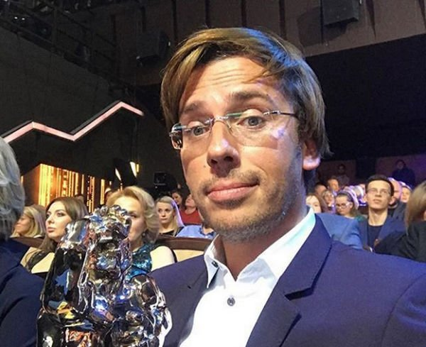 Солист Филипп Киркоров искренне поздравил Максима Галкина сполучением ТЭФИ