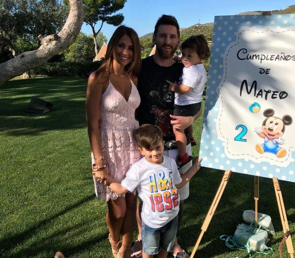 Лионель Месси официально сообщил о беременности жены
