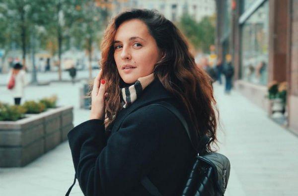 Мария Шумакова продолжает делиться откровенными фотографиями