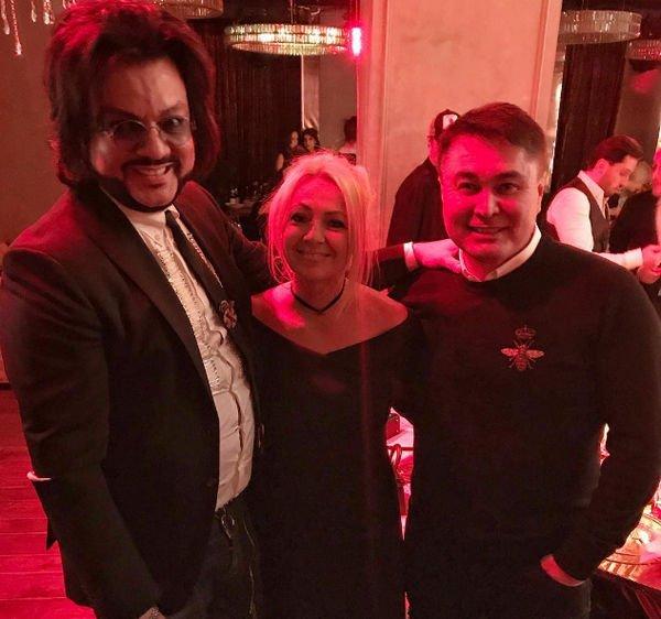Светлана Лобода собрала звездных друзей на вечеринке