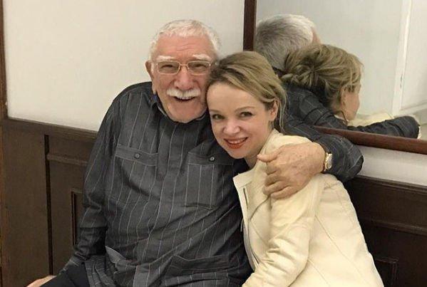 Супруга Армена Джигарханяна впервые ответила на обвинения мужа