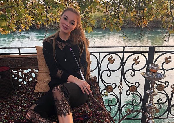 Молодая любовница Дениса Вороненкова сообщила новые подробности своего романа