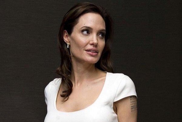 Анджелина Джоли готовится к тайному бракосочетанию