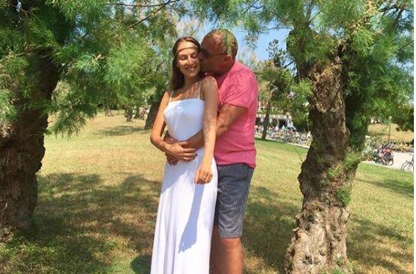 Александр Жулин с женой будут учить всех танцевать и кататься на коньках