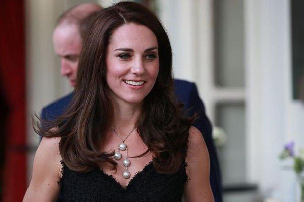 Кейт Миддлтон продемонстрировала изменения в фигуре в обтягивающем платье