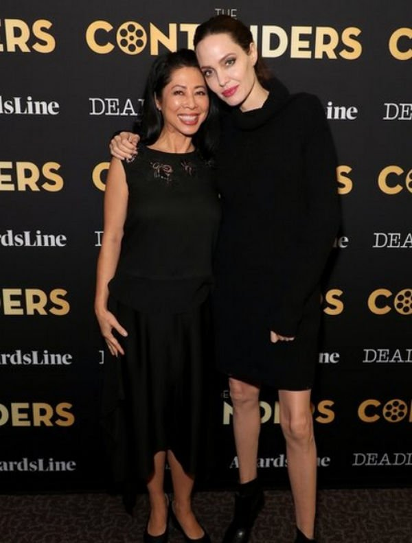 Анджелина Джоли выбрала мини-платье для выхода в свет