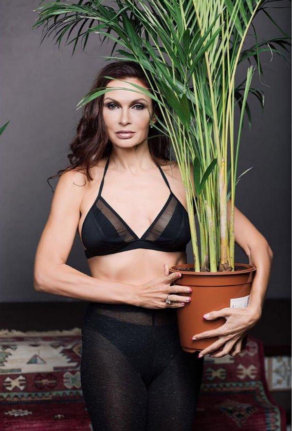 Эвелина Бледанс новым снимком подверглась жесткой критике своих фанатов
