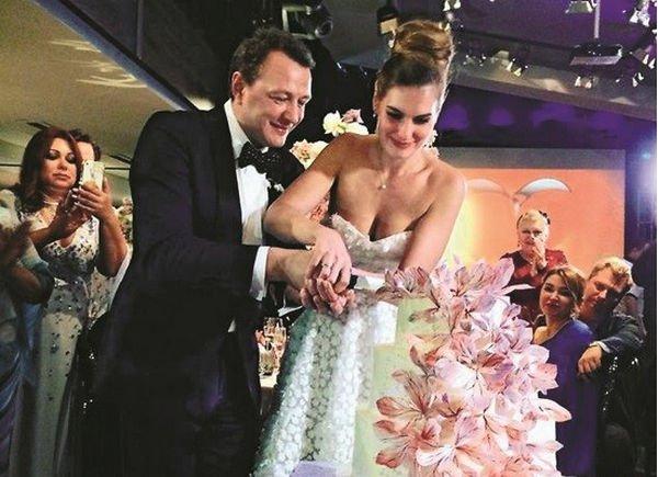 Бывшая супруга Марата Башарова собралась подать нанего всуд