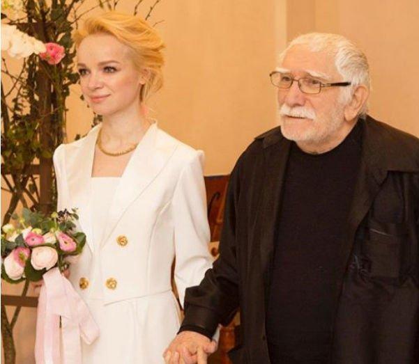 Армен Джигарханян теперь сможет жить в своей квартире