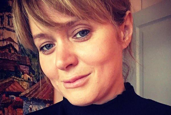 Анна Михалкова показала снимок без грамма косметики