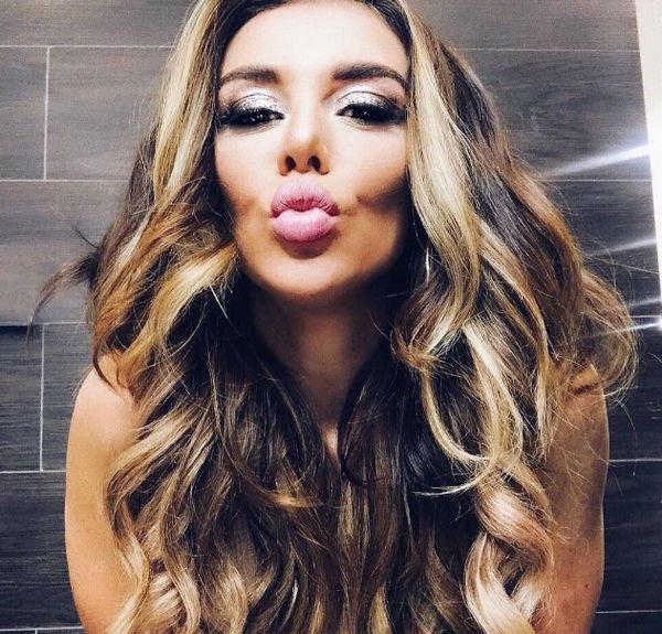 Анна Седокова взбудоражила фанатов обнаженным фото в постели