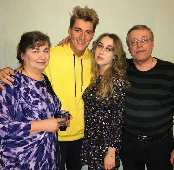 Алексей Воробьев опубликовал редкое семейное фото