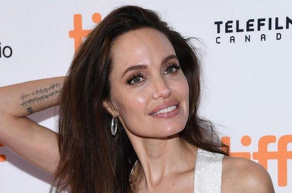 Анджелина Джоли пояснила свое решение стать актрисой