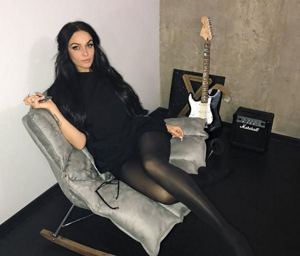 Алена Водонаева готовится к медовому месяцу