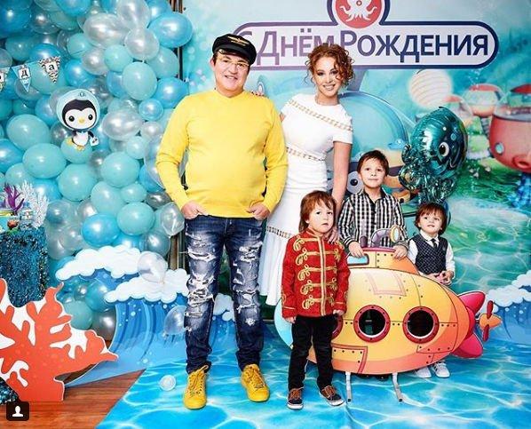 Лишний вес Полины Дибровой заставил говорить об ее интересном положении