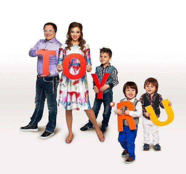 Дмитрий Дибров с женой и детьми задействованы в необычном проекте