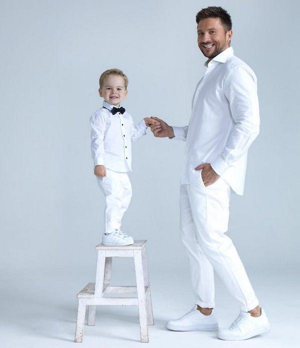 Сергей Лазарев впервые опубликовал снимок, на котором можно разглядеть его сына