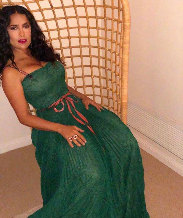 Сальма Хайек в изумрудном платье произвела фурор