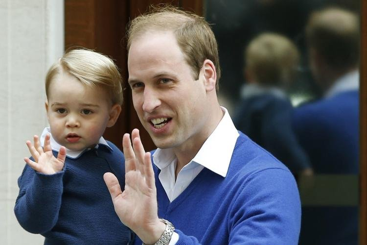 Принц Уильям побрился налысо
