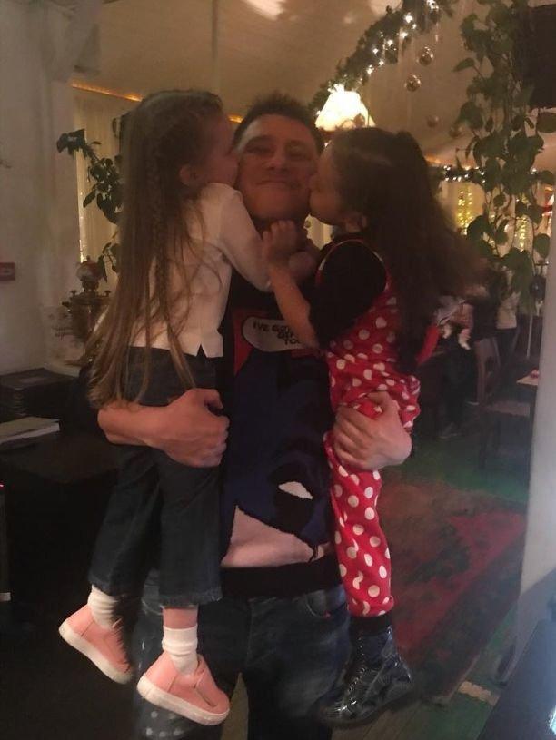 Кристина Асмус увезла дочку из России