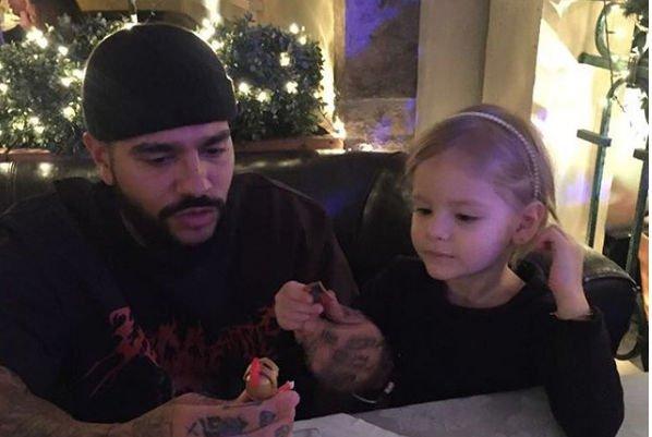 Совместное фото Тимати с дочерью было жестко раскритиковано