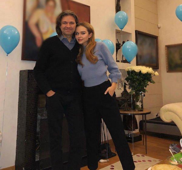 Супруга Дмитрия Маликова опубликовала первый снимок новорожденного сына
