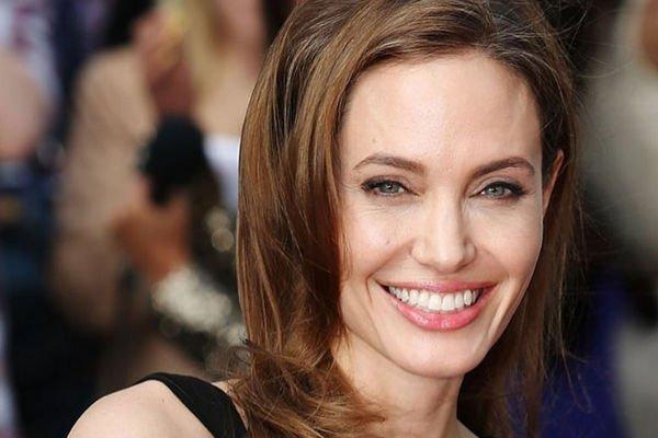 Анджелина Джоли не щадит себя, с головой погрузившись в работу