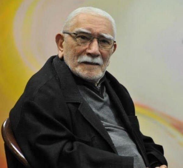 Армен Джигарханян решил долечиться дома