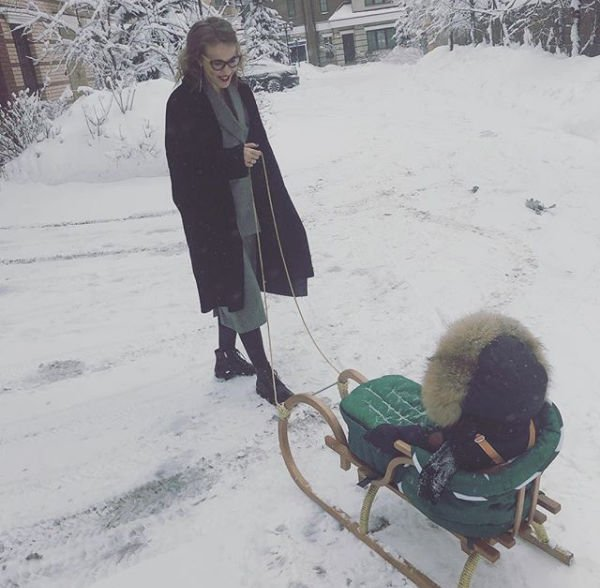 Ксения Собчак поделилась фотографией с редкого выходного дня