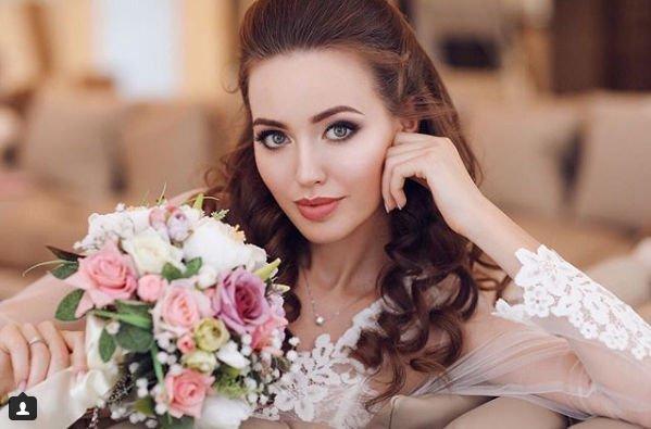 Анастасия Костенко получила шквал критики за свой образ невесты