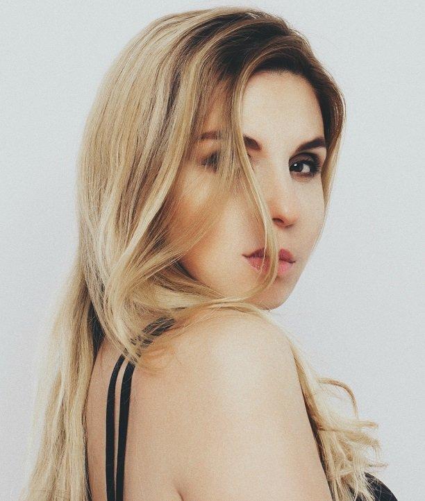 """Певица и медиум Марина Табри опубликовала новое послание человечеству от """"Всемирного разума"""""""