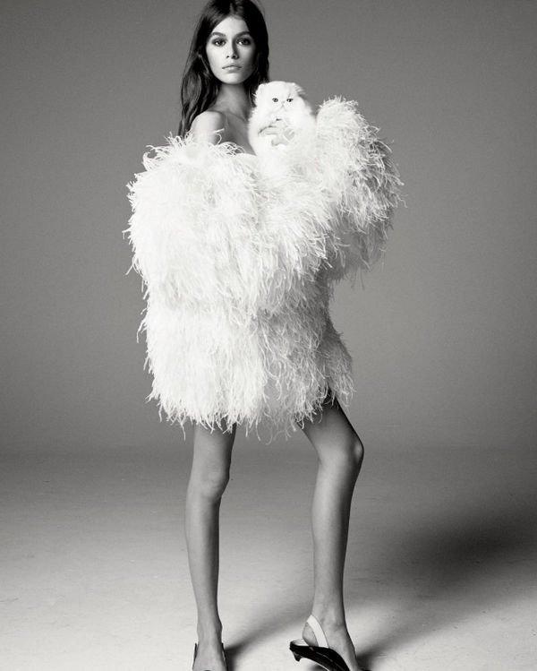 Кайя Гербер ужаснула чересчур худыми ногами в новой фотосессии