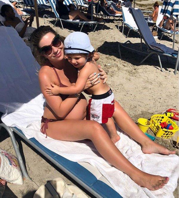 Беременная Галина Юдашкина показала хорошую фигуру иокруглившийся живот